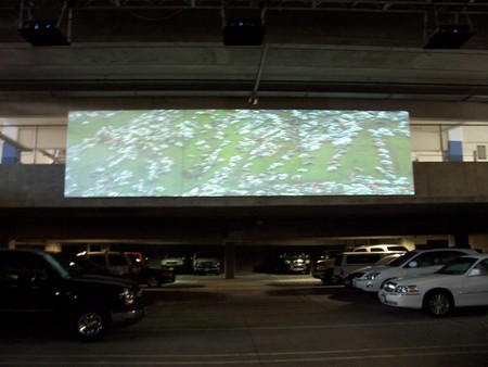 Osmosis and Excess: film premiere in parking lot