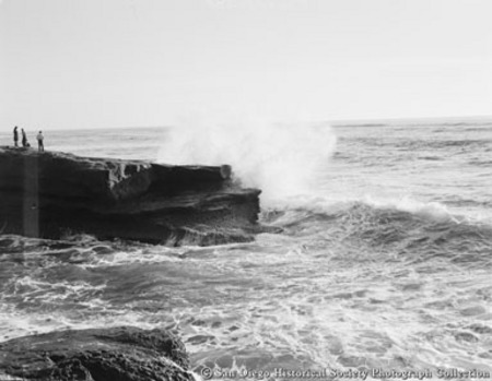 Ocean waves crashing on to rock formations on La Jolla coast