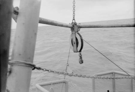 [Pulley and wire rope, R/V HORIZON]