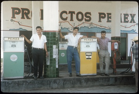 "Employees at ""Gas Uribe"""