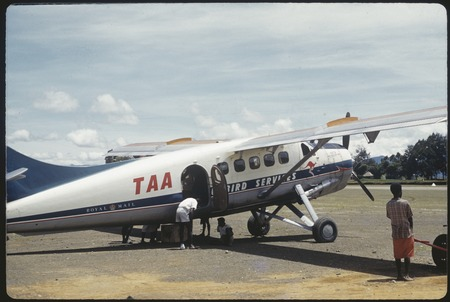 Mount Hagen airstrip, small airplane being loaded