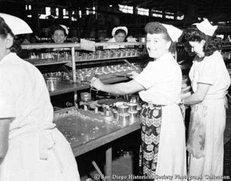 Women packing tuna at San Diego cannery