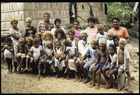 Jonathan Fifi'i, his wife 'Antuini, with their extended family at 'Ilemi.