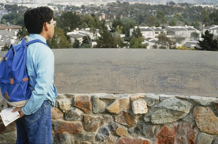 La Jolla Vista View: viewer standing in front of map