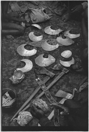 Ritual exchange, Tsembaga: shells, shell valuables, steel axes, woven armbands